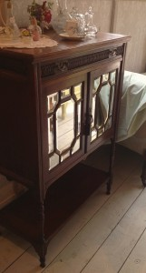 Antique Edwardian bevelled mirror fronted cabinet